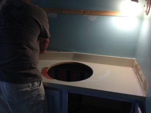 Dan removed the vanity before the carpet arrived but I didn't have time ot finish painting