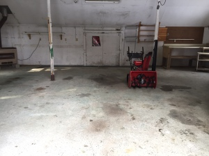 Dan's garage never looked so clean! I think he shed a little tear when he had to leave the snowblower for the new homeowners.